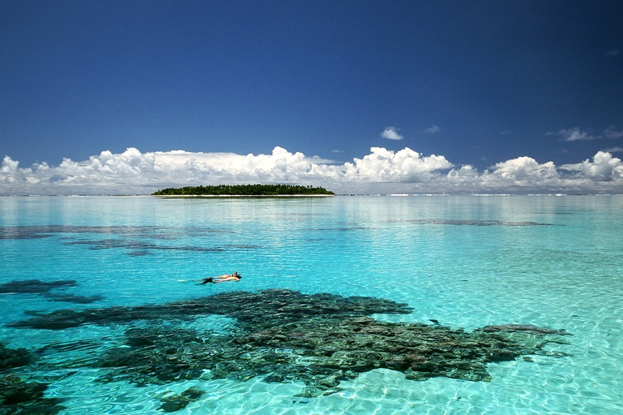 Top 10 amazing crystal clear waters islands in the world for Best clear water beaches in the world