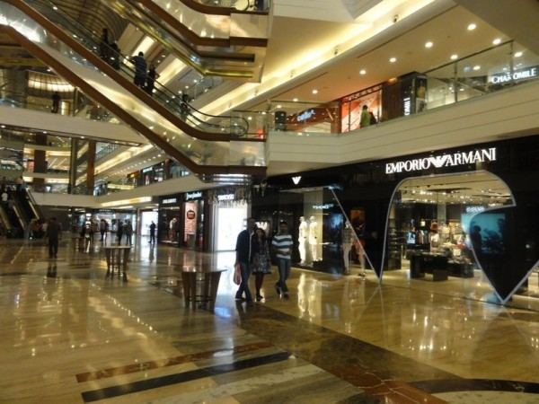 5 Best and Biggest Shopping Malls in Mumbai for Shopping Tour