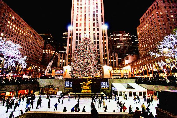 7 best christmas destinations in usa for celebration christmas markets new york radio city music hall christmas spectacular nyc radio city christmas ...