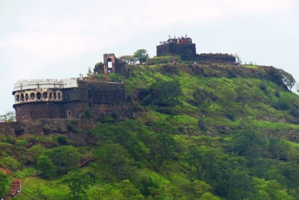 10 Popular Tourist Places to Visit in Maharashtra