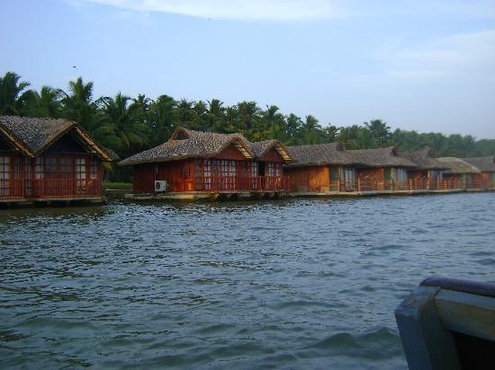 Poover Island Resort