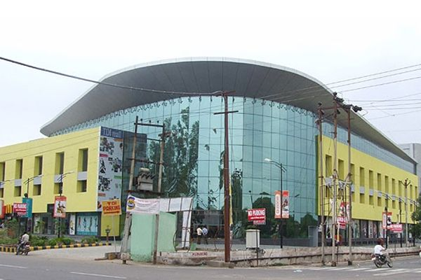 4 Best Shopping Malls in Agra for Shopping Tour