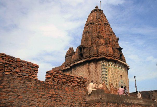 5 Most Popular Hindu Temples in Pakistan for Religious Tour