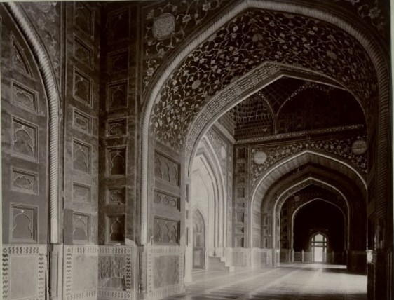 Interior of Jama Masjid, Agra