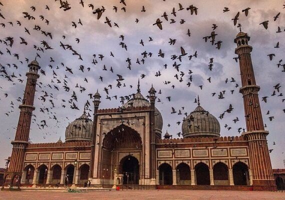 6 Most Beautiful Mosques in India Everyone Should Visit