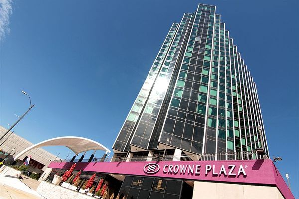 Crowne Plaza Detroit Downtown Riverfront