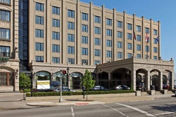Hotel St. Regis, Detroit
