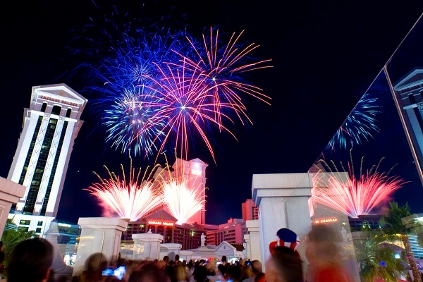 4th Of July Las Vegas Fireworks Live Stream Tips Events And Parade