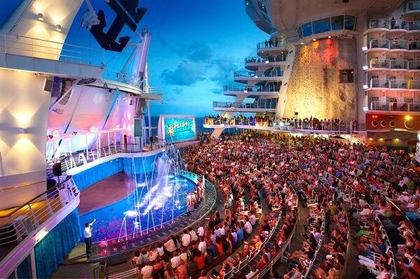 Royal Caribbean International Oasis of the Seas Interior AquaTheatre