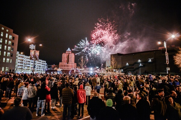 Akron Ohio New Years Eve Fireworks