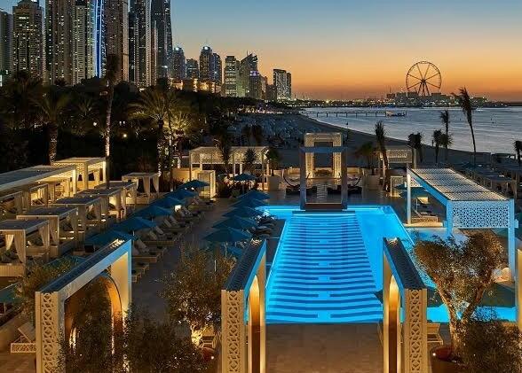 The Rich Life of Dubai - A Photo Tour of Dubai's Rich Lifestyle