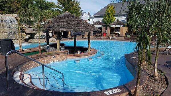 Commodore Resort Hotel