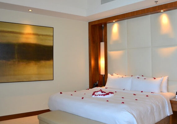 10 Most Romantic Hotels in Dubai for Couples 2019 (with Prices)
