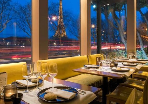 6 Best Restaurants Open on New Year's Eve 2020 in Paris for Best NYE Dinner