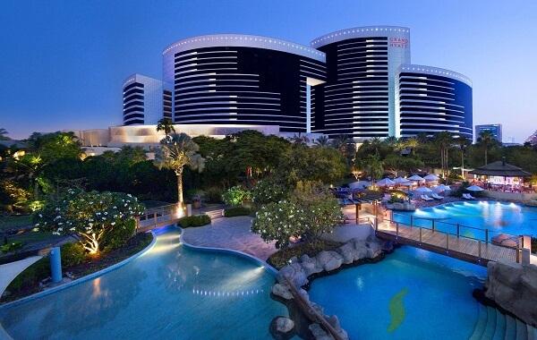 Grand Hyatt Dubai New Year's Eve 2020: Best Luxury Hotel ...