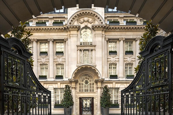Entrance Rosewood Hotel London