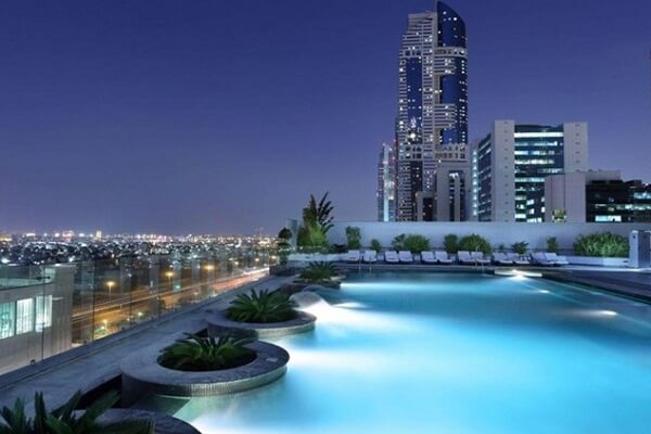 Swimming Pool @ Millennium Plaza Hotel Dubai