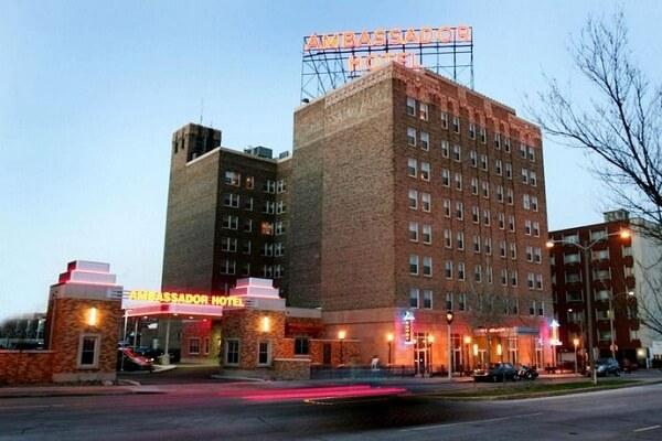 Ambassador Hotel Milwaukee WI