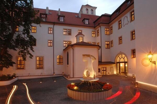 Augustine Prague