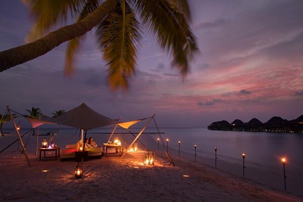 Beach Dinner at Constance Halaveli Maldives