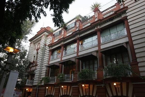 The House of Mangaldas Girdhardas, Lal Darwaja
