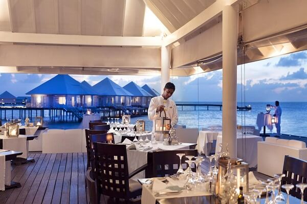 Take Dinner at Diamonds Thudufushi Maldives