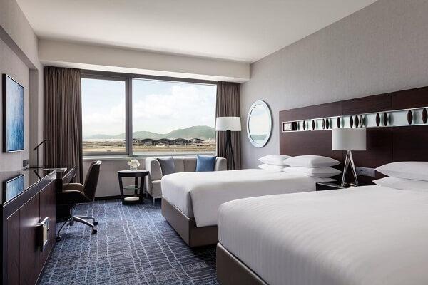 Guest Room at Hong Kong SkyCity Marriott Hotel