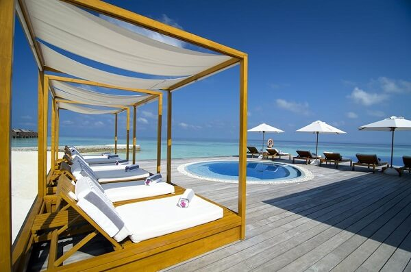 Lily Beach Resort and Spa at Huvahendhoo