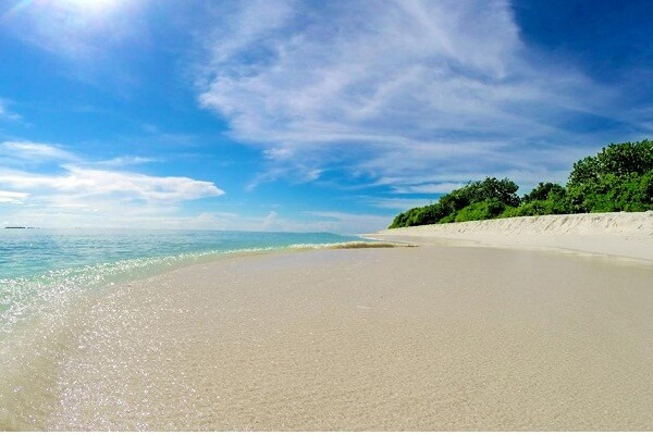 Beach Area of Island Vista Inn Ukulhas